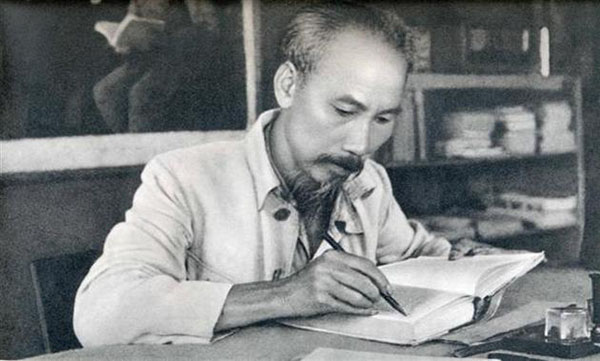 Long An combines studying and following Uncle Ho's teachings with political tasks