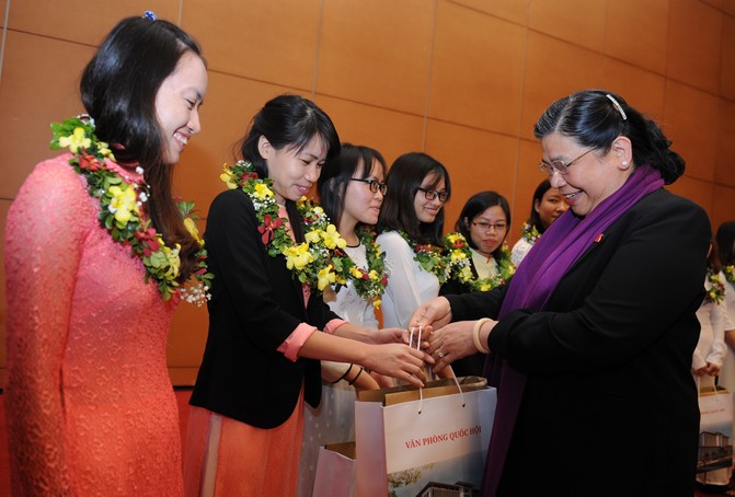 Young talents in science and technology honoured