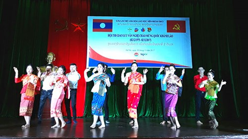 Cultural exchange to celebrate Laos' National Day in Hanoi