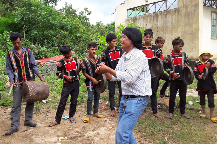 Training course on gongs for young people in Chu Puh district