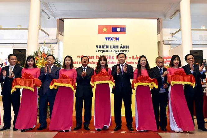 Photo exhibition on Vietnam - Laos relations in Vientiane