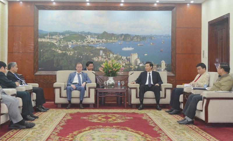 Quang Ninh leader receives STCC Shipbuilding Company