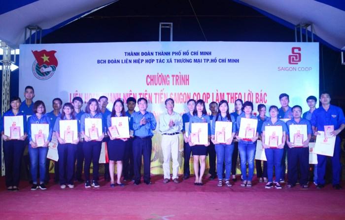 Saigon Co.op praises typical examples following Uncle Ho
