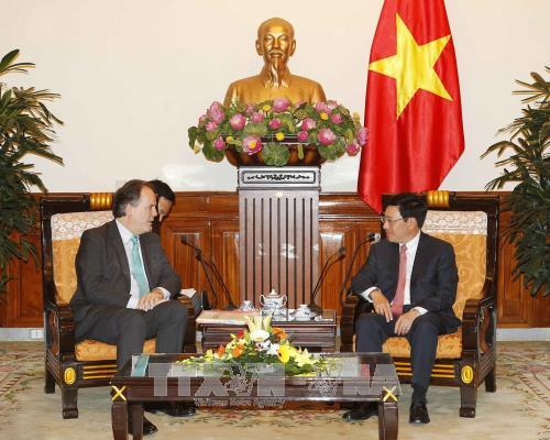 Vietnam, UK forge strategic partnership