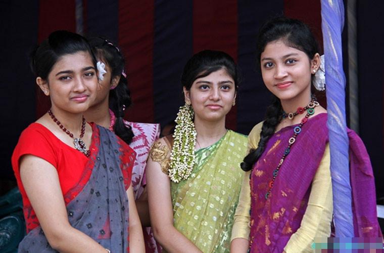 Bangladesh women still face sizable gender gaps