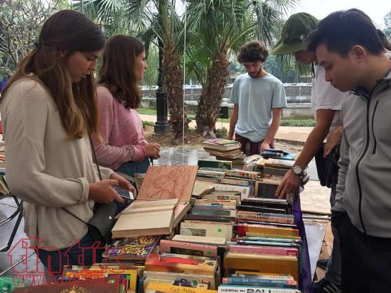 Books on Party history introduced at an old book fair