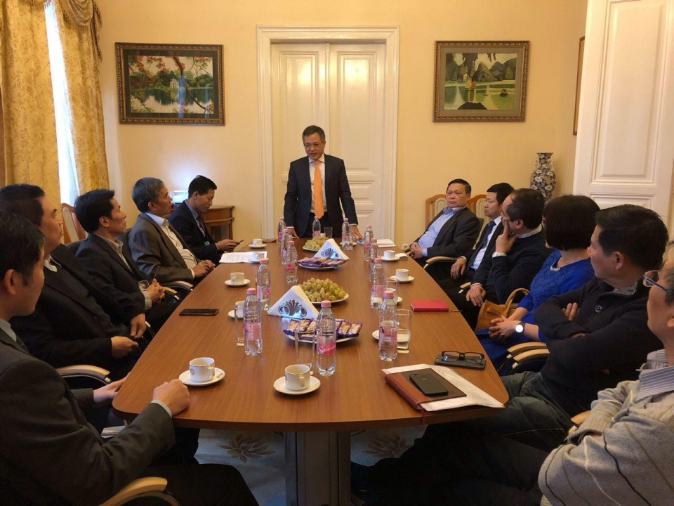 Vietnamese Ambassador to Hungary meets executive board of overseas Vietnamese Association