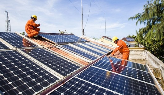 Vietnam strives to attract more investment in solar power