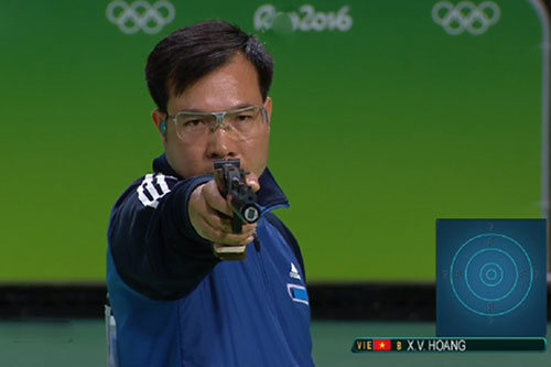 Marksman Hoang Xuan Vinh earns second world ranking in 10m air pistol