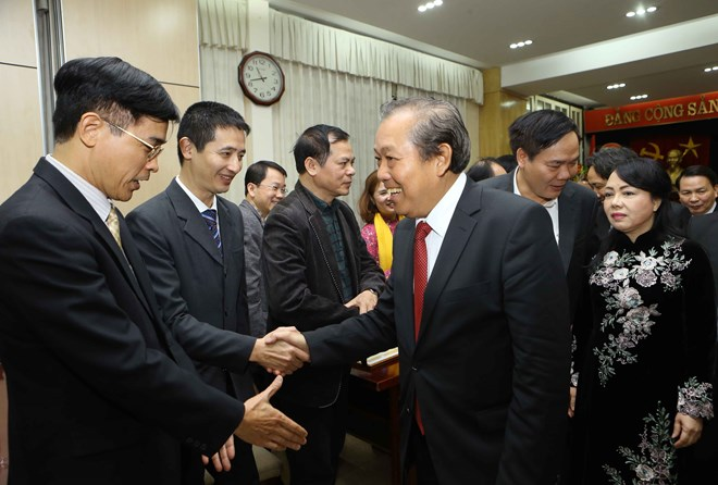 Deputy PMs extend congratulations on Vietnamese Doctors' Day