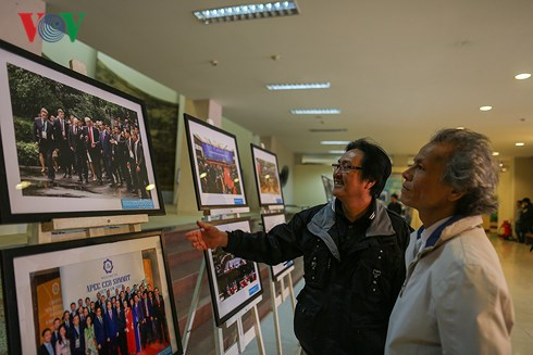 Photo exhibition on APEC Year 2017 in central Da Nang city