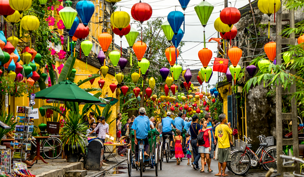 Hoi An ancient city: Free entrance on Tet