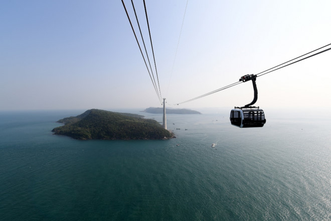 Kien Giang province launches world's longest cable car route