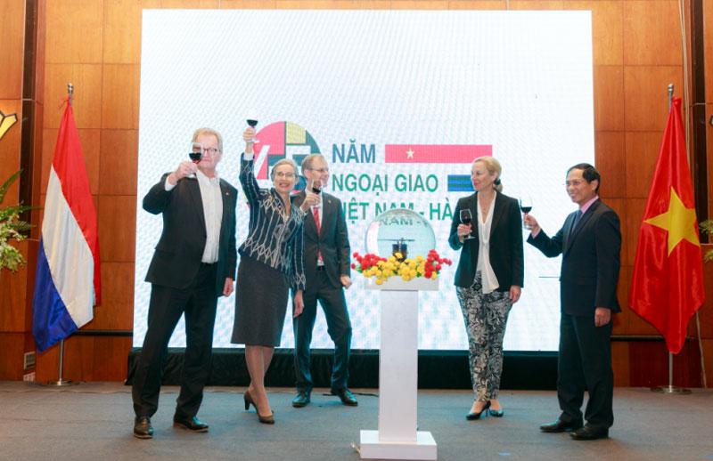 Vietnam, Netherlands reaffirmed economic relations