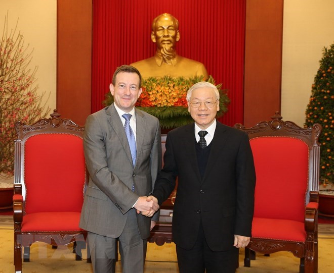 Party chief receives French Ambassador