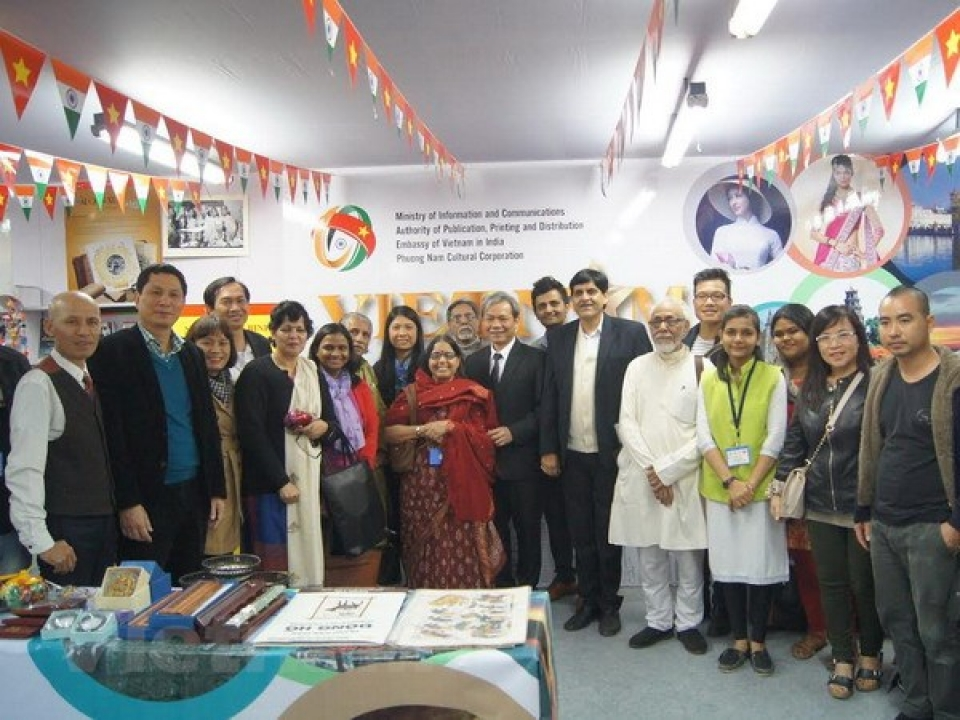 Vietnamese books displayed in international fair in India