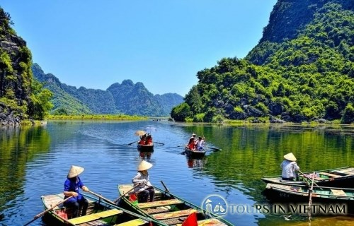 More boat tour opened in Trang An Landscape Complex