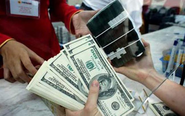 USD devalued against VND despite global rise