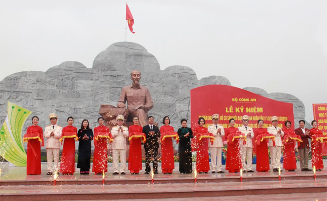 President Ho Chi Minh's 6 teachings for people's public security marked
