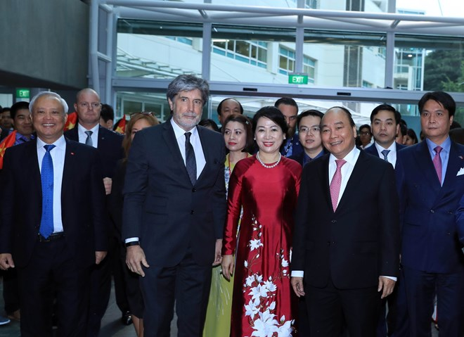Prime Minister visits AUT, talks to Vietnamese expats in New Zealand