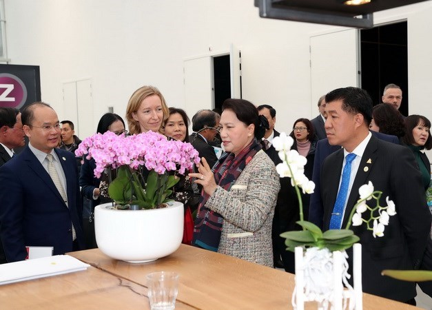 NA Chairwoman visits World Horti Centre in the Netherlands