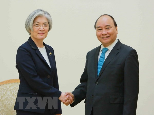Vietnam, RoK should expand ties to more areas: PM