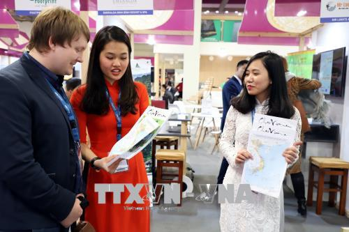 Vietnam's maps displayed at International Tourism Exchange in Berlin