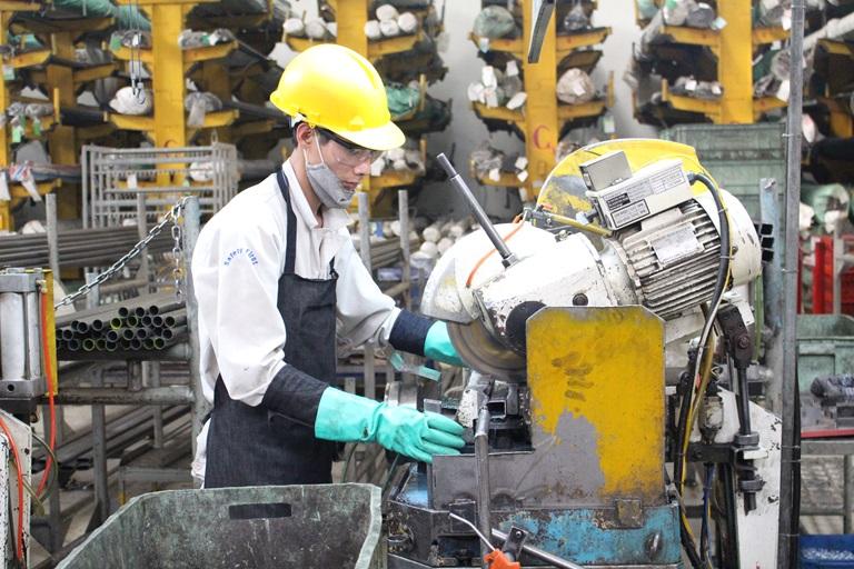 Over 8,000 enterprises formed in March