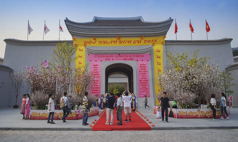 Yen Tu Cherry Blossom and Yellow Apricot Flower Festival 2018 opened in Quang Ninh
