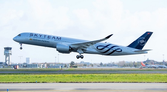 Vietnam Airlines welcomes 12th A350 aircraft with SkyTeam livery