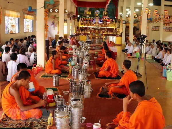 PM congratulates Khmer people on traditional New Year festival