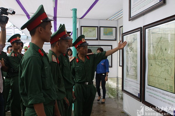 Exhibition on Hoang Sa and Truong Sa in Nghe An