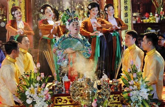 National Chau Van and Van singing festival in Hue