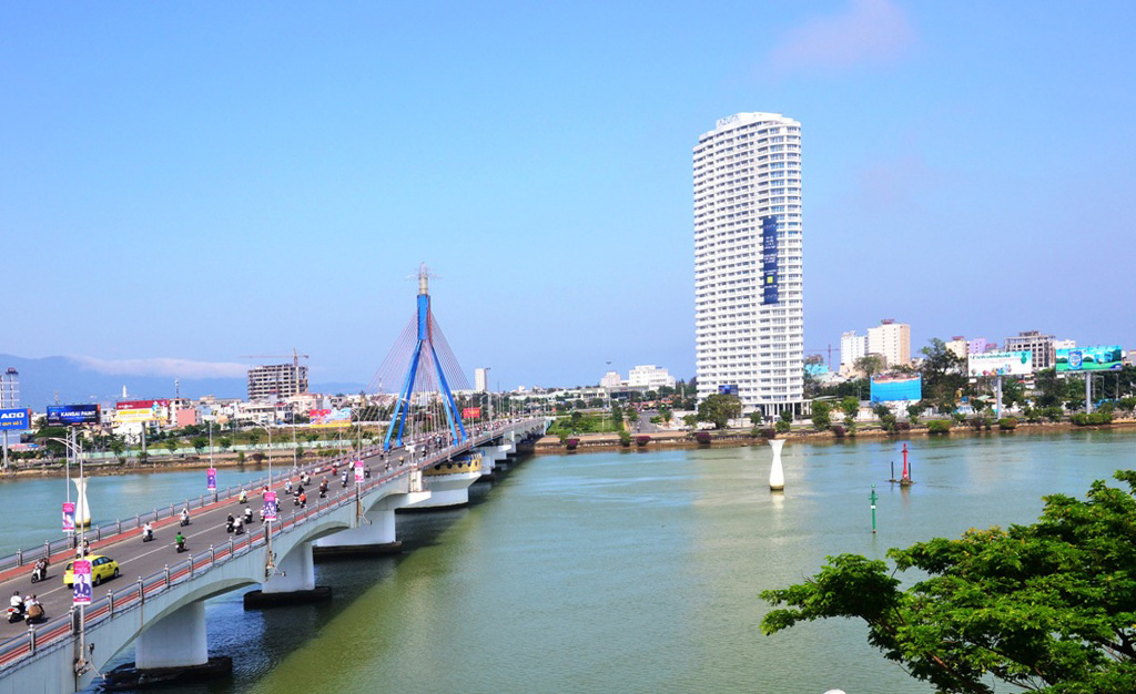 FPT join hands with Da Nang to develop smart city