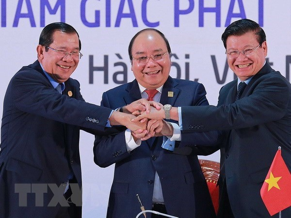 Cambodia, Laos, VN vow to further deepen comprehensive cooperation