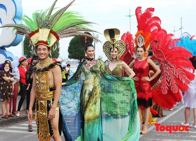 Dong Hoi carnaval starts Tourism Culture Week