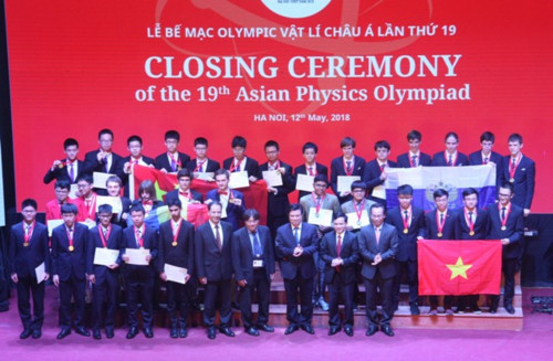Vietnam wins four gold medals at 19th Asian Physics Olympiad