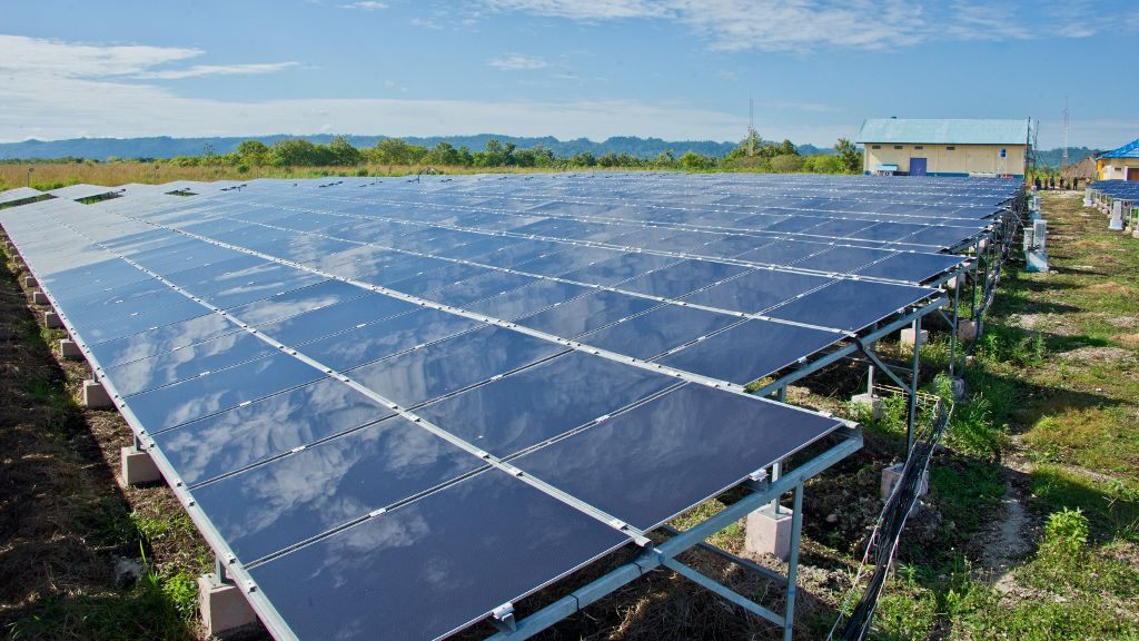 Indonesia invests USD160 million in first utility-scale solar photovoltaic plants