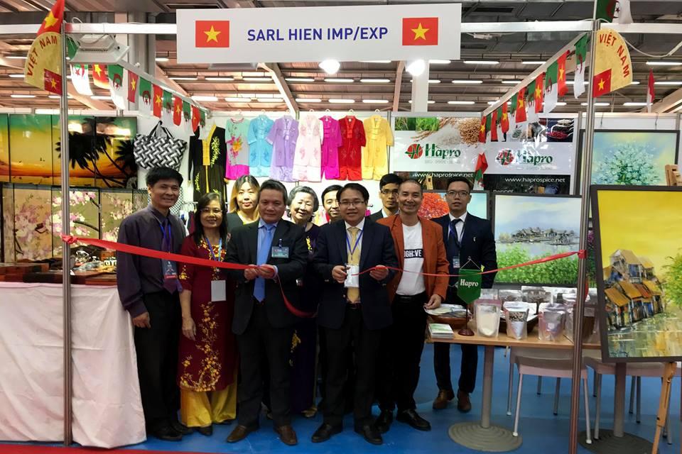 Vietnam joins 51st International Fair of Algiers