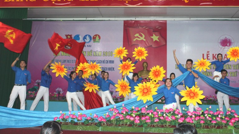 Dong Nai honours 250 advanced youth following Uncle Ho's teachings