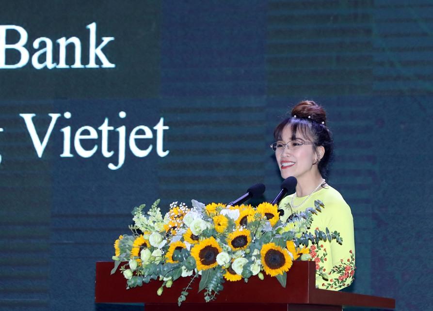 Vietjet, Hanoi agree to cooperate comprehensively