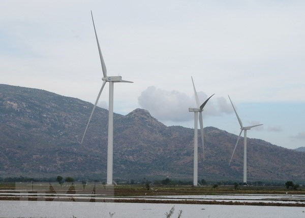 Quang Tri approves two wind, solar power projects