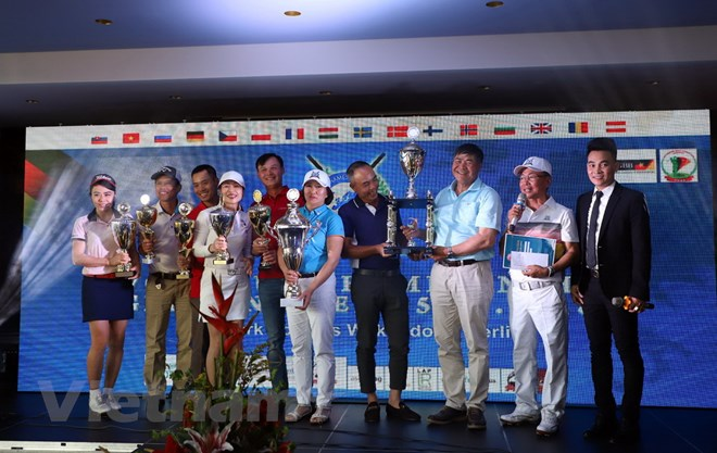 Over 180 overseas Vietnamese golfers compete in Germany