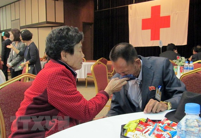 DPRK, RoK to hold talks on humanitarian issues, family reunions