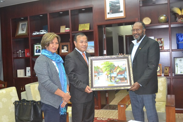 Deputy Minister of Foreign Affairs Vu Hong Nam visits to Vanuatu