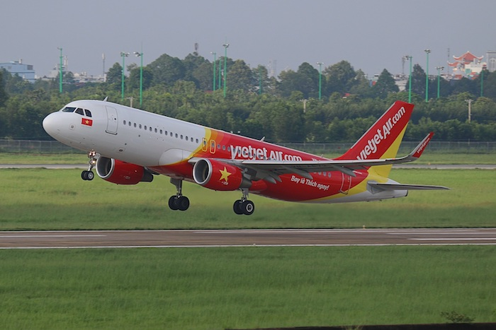Vietjet opens direct flight from Hanoi to Osaka