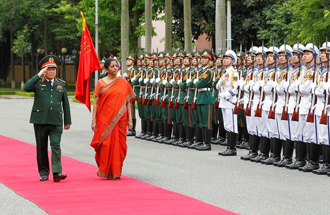 Vietnamese, Indian defence ministers hold talks