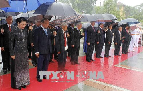 Party and State leaders commemorate heroic fallen soldiers