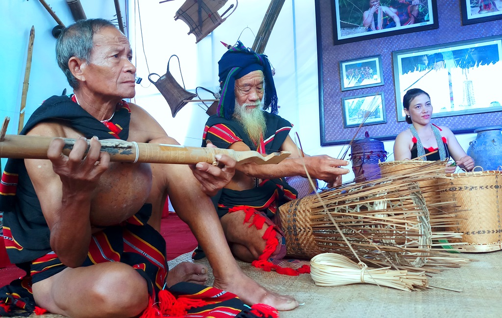 Promoting cultural products of mountainous ethnic groups in Quang Nam