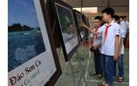 Exhibition on Hoang Sa and Truong Sa in Bac Kan